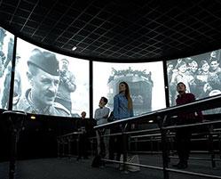 Cinéma Arromanches 360 et Musée du Débarquement d'Arromanches
